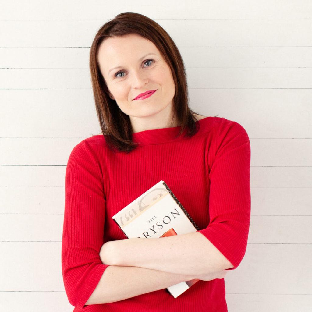 Laurence Ogé, rédactrice SEO et traductrice, écrit en anglais et en français.